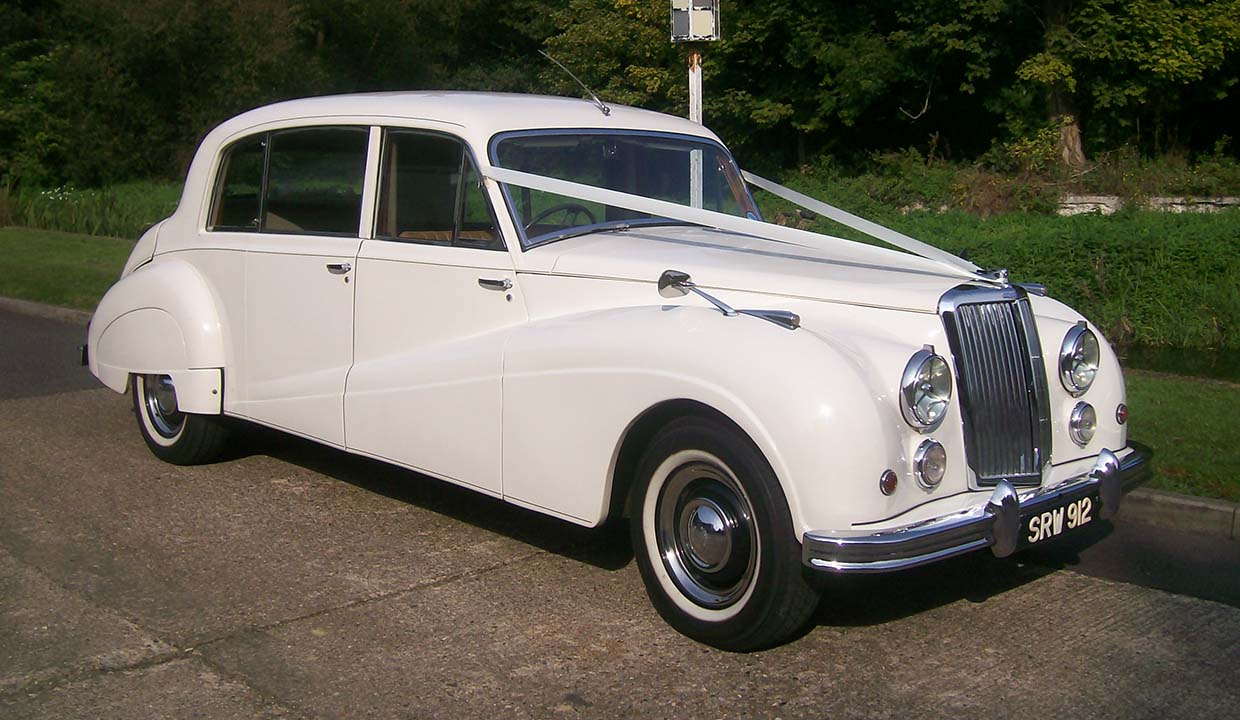 Hero-Armstrong-Siddeley-white_1240x720